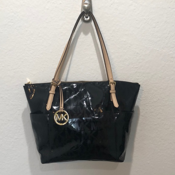 Michael Kors Handbags - *Authentic* Michael Kors Bag